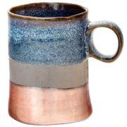 Taza de cerámica de elaboración artesanal